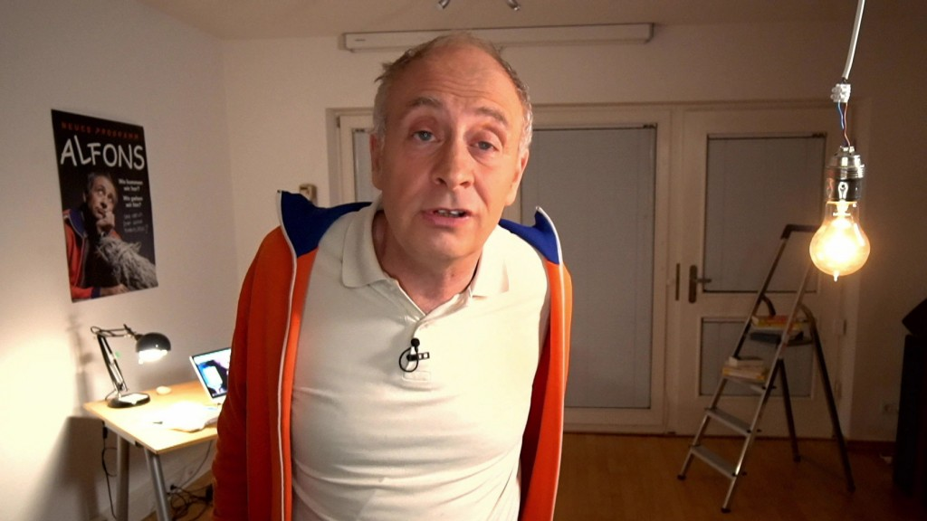 Der Kabarettist Alfons im Home-Office